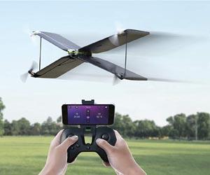 Dron Cuadricóptero y Avión x-wing
