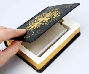 Petaca en Biblia